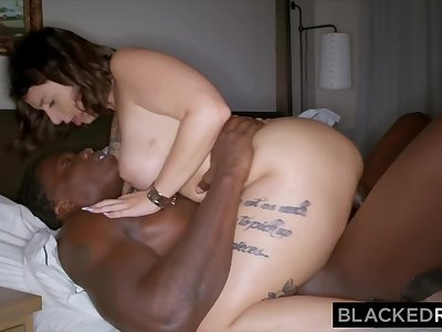 BLACKEDRAW Curvy Beauty Fucks BBC HARD On First Date