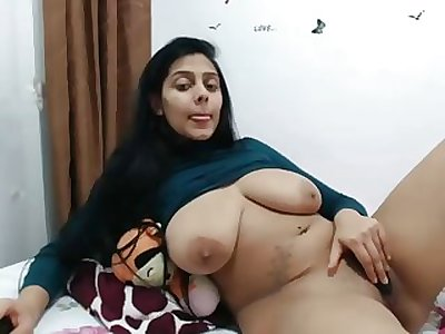 huge-titted indian wench