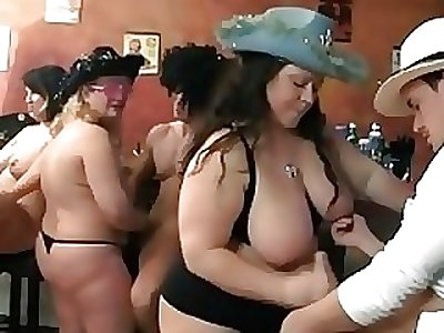Choreograph BBW orgy in the pub