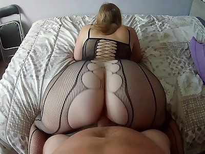 Lingerie very sexy for Nini Divine who makes me a reverse cowgirl unimaginable with his big round ass  !